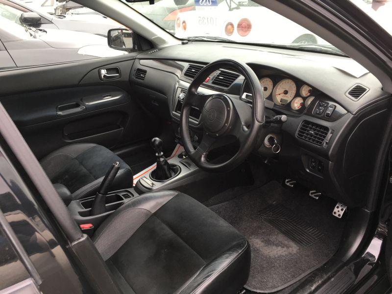 2005 Mitsubishi Lancer EVO 9 Wagon 24