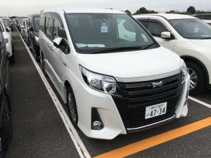 2016 Toyota Noah Hybrid 11
