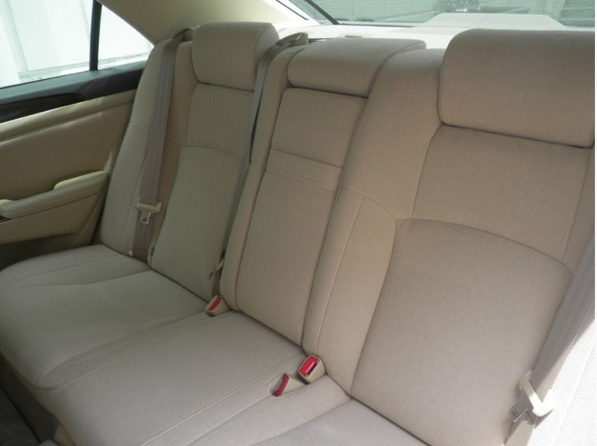 2006 Toyota Crown interior back
