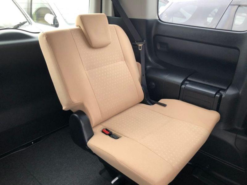 2014 Toyota Noah Hybrid G 13
