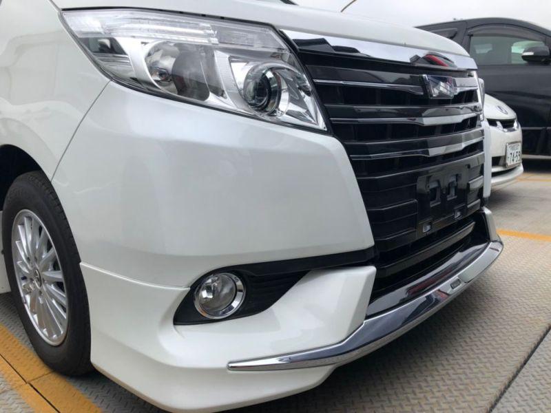 2014 Toyota Noah Hybrid G 15