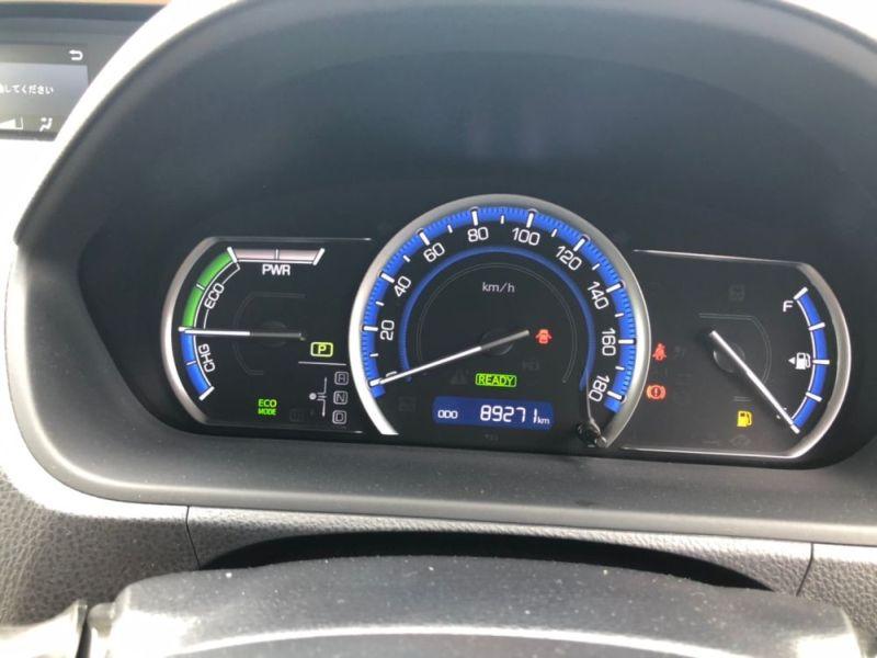 2014 Toyota Noah Hybrid G 26