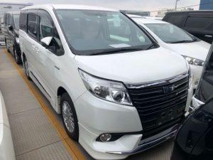 2014 Toyota Noah Hybrid G 30