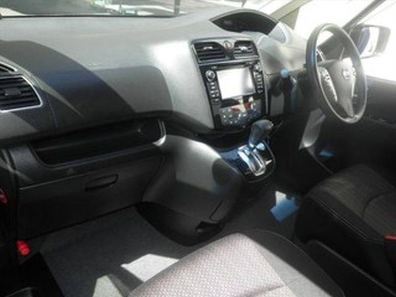 2016 Nissan Serena S-Hybrid Highway Star V Selection 03
