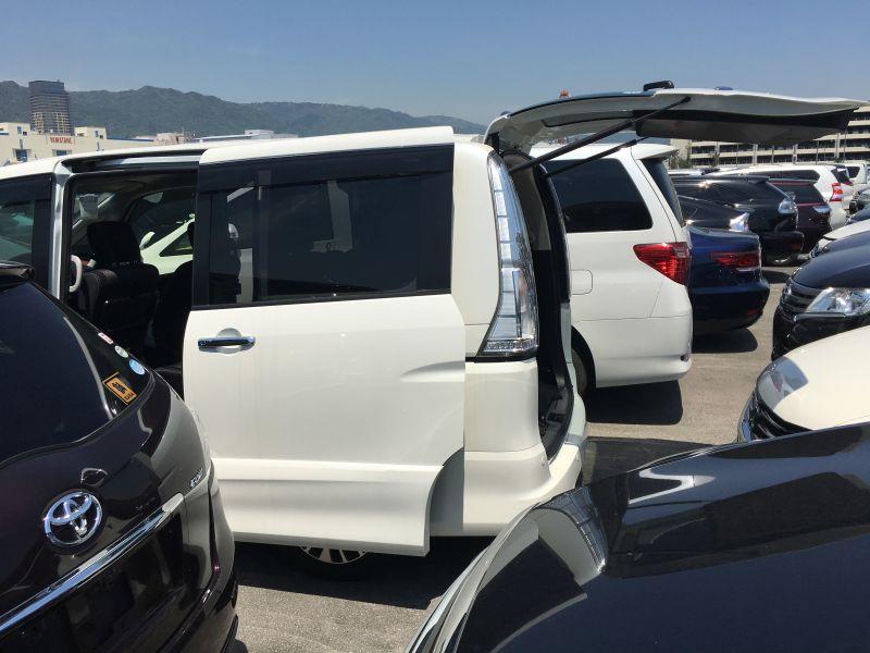 2016 Nissan Serena S-Hybrid Highway Star V Selection 19