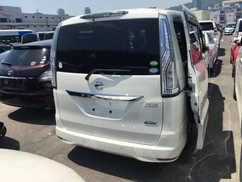 2016 Nissan Serena S-Hybrid Highway Star V Selection 28