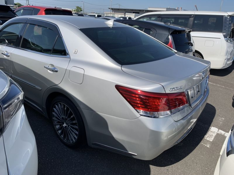 2016 Toyota Crown Majesta Hybrid 3 5L F Version - Prestige Motorsport