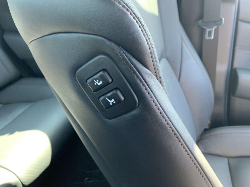 2016 Toyota Crown Majesta Hybrid 42