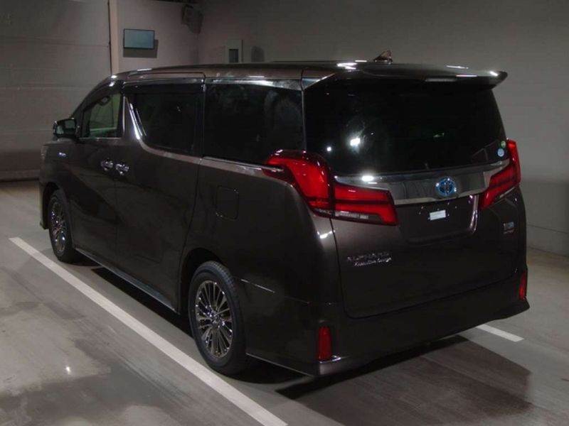 2019 Toyota Alphard hybrid Executive Lounge 03