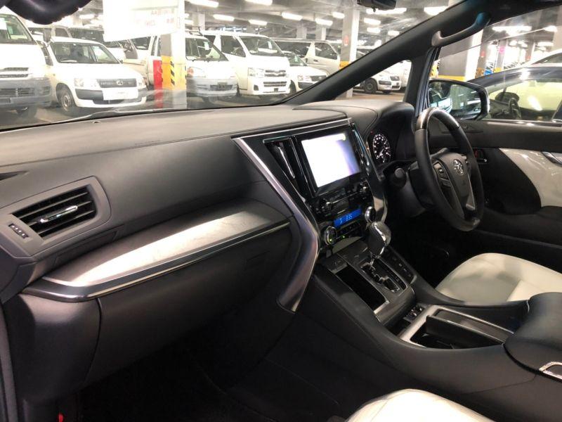 2019 Toyota Alphard hybrid Executive Lounge 23