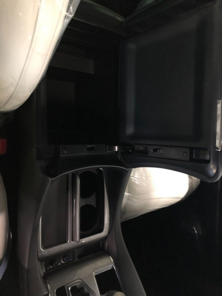 2019 Toyota Alphard hybrid Executive Lounge 30