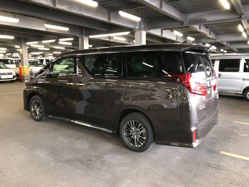 2019 Toyota Alphard hybrid Executive Lounge 40