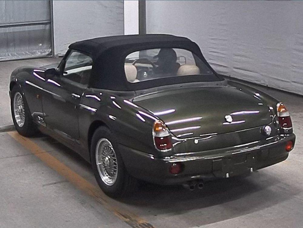 1994 Import MG RV8 02