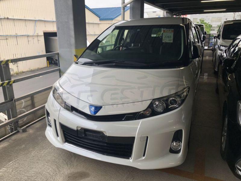 2015 Toyota Estima hybrid 11