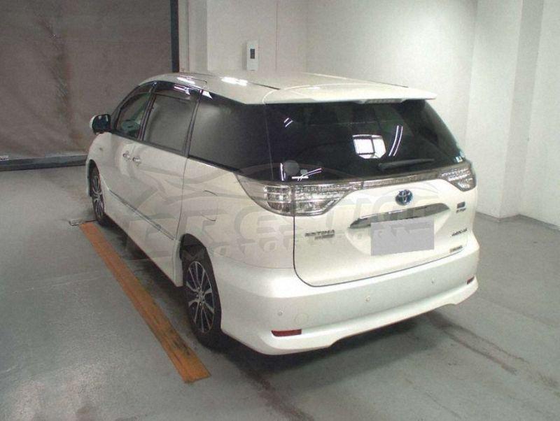 2013 Toyota Estima hybrid 03
