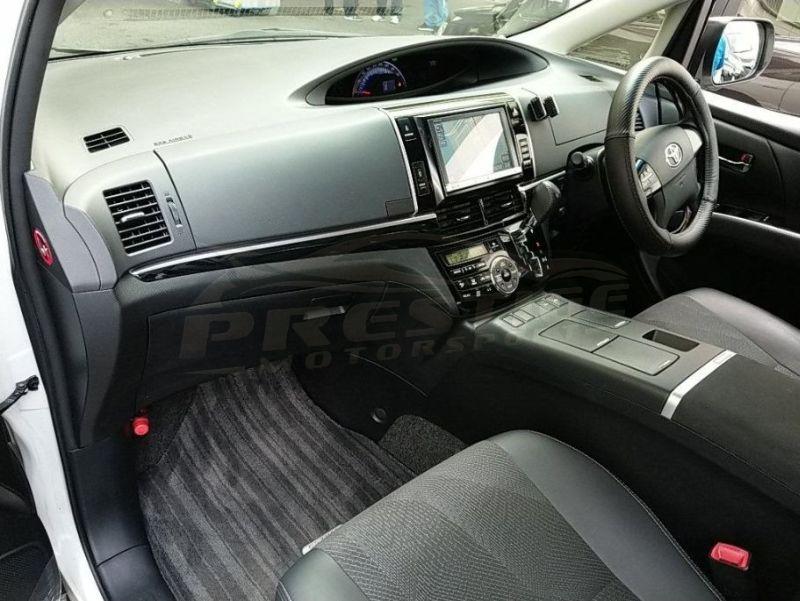 2013 Toyota Estima hybrid 04