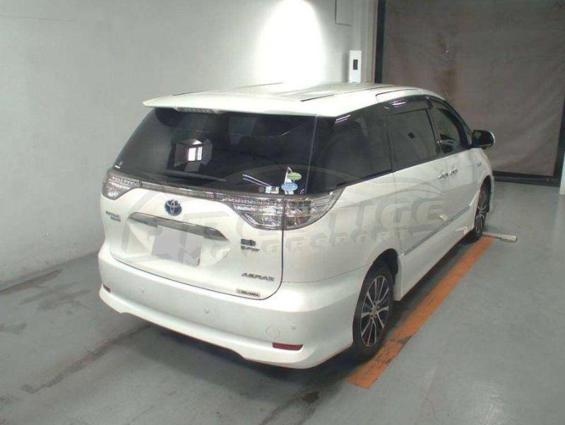 2013 Toyota Estima hybrid 07