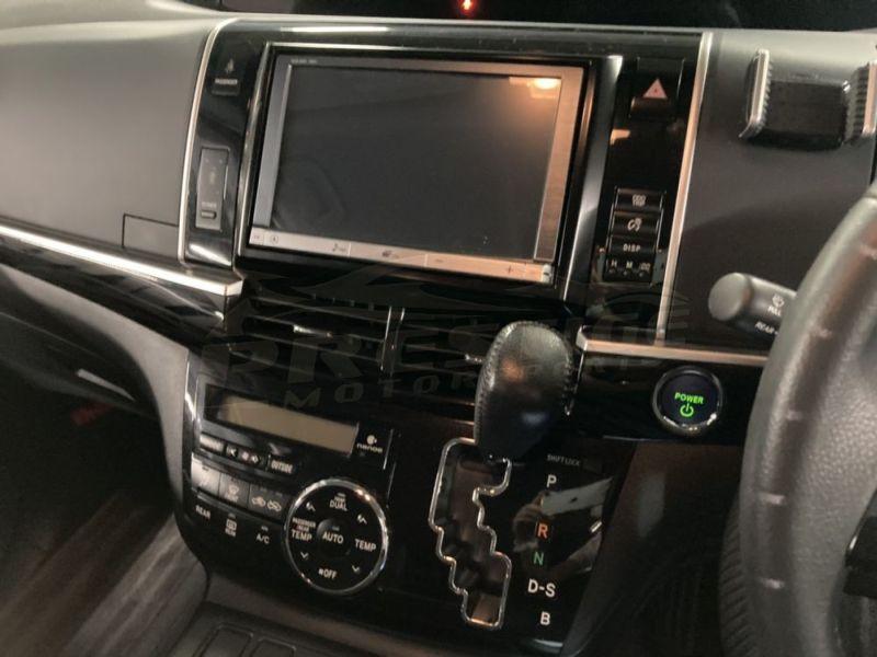 2013 Toyota Estima hybrid 16