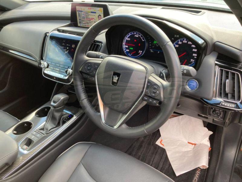 2018 Toyota Crown RS Advance hybrid 22
