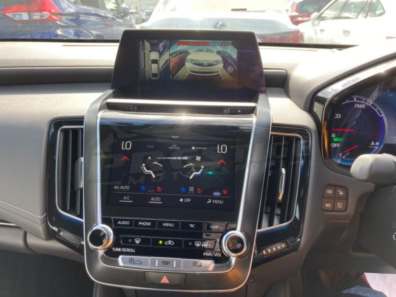 2018 Toyota Crown RS Advance hybrid 28